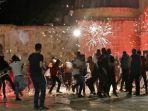 bentrok-terjadi-antara-pengunjuk-rasa-palestina.jpg