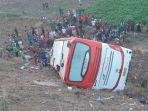 bus-kramat-djati-jurusan-jakarta-bali-kecelakaan-di-jalan-tol-surabaya-mojokerto.jpg