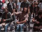 cuplikan-film-crip-camp-a-disability-revolution-yang-ditayangkan-di-netflix.jpg