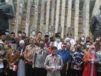 deklarasi-koalisi-aksi-menyelamatkan-indonesia-kami-di-tugu-proklamas.jpg