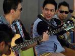 Kunci (Chord) Gitar dan Lirik Lagu Buang Saja Ragu - Ada Band: Cintaku Terlahir Hanya Untukmu