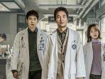 drama-korea-drakor-dr-romantic-tayang-di-netflix-dibintangi-han-suk-kyu-dan-yoo-yeon-seok1.jpg