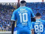 ezechiel-ndouassel-striker-persib.jpg