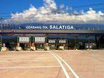 gerbang-tol-salatiga-di-ujung-ruas-tol-bawen-salatiga_20170615_235447.jpg