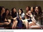 girls-squad-berfoto-bersama-saat-arisan-berlian.jpg
