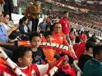 gubernur-dki-jakarta-anies-baswedan-menyaksikan-pertandingan-final-piala-presiden-2018_20180218_175136.jpg