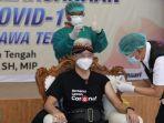 gubernur-jawa-tengah-jateng-ganjar-pranowo-saat-disuntik-vaksin-covid-19-di-rsud.jpg