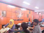 ilustrasi-pengiriman-barang-di-pos-indonesia_20180213_163431.jpg