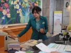 ilustrasi-petugas-teller-melayani-nasabah-di-bank-bukopin_20181107_145726.jpg