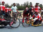 imam-nahrawi-mengunjungi-atlet-balap-sepeda-asian-para-games-2018-di-velodrome-manahan_20180914_163426.jpg