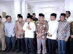 jusuf-kalla-dan-sejumlah-petinggi-ormas-serta-tokoh-muslim-melakukan-konferensi-pers.jpg