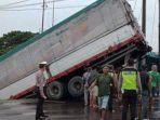 kecelakaan-truk-di-lamongan.jpg