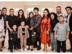 Merasa Doanya Terkabul, Azriel Unggah Momen Keluarganya Berkumpul dengan Krisdayanti dan Raul Lemos