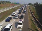 kemacetan-yang-terjadi-di-ruas-tol-cipali-km-73-purwakarta_20180613_150927.jpg