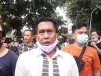 ketua-koalisi-aksi-menyelamatkan-indonesia-kami-kota-medan-hairi-amri-baju-puti.jpg