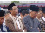 mahfud-md-melaksanakan-salat-idul-adha-di-stadion-kridosono-yogyakarta_20180822_093206.jpg