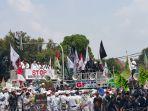 massa-aksi-unjuk-rasa-di-kedutaan-besar-myanmar_20170906_162044.jpg