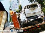 mobil-crv-yang-dia-kemudikan-rini-puspitawati-26-jatuh-ke-jurang_20181015_145259.jpg