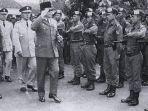 pasukan-cakrabirawa-pengawal-presiden-soekarno.jpg