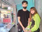 pedagang-bakso-di-yang-dinilai-mirip-artis-korea-viral.jpg