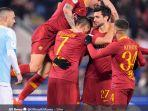 pemain-as-roma-merayakan-gol-ketiga-yang-dicetak-patrick-schick-di-16-besar-coppa-italia.jpg