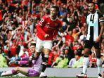 pemain-manchester-united-cristiano-ronaldo-mencetak-gol-ke-gawang-newcastle.jpg