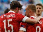 pemain-timnas-rusia-merayakan-gol-ke-gawang-finlandia.jpg
