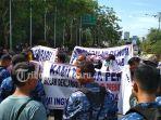 penolakan-kedatangan-neno-warisman-ke-pekanbaru-sabtu-2582018_20180825_174919.jpg