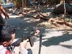 polisi-menembak-kerbau-yang-mengamuk-di-dukuh-badong-desa-tenggeles-kecamatan-mejobo-kudus.jpg