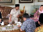 prabowo-subianto-mengunjungi-sinta-nuriyah-wahid_20180914_091335.jpg