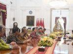 presiden-joko-widodo-bertemu-dengan-pengurus-pssi-di-istana-merdeka.jpg
