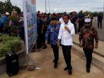 presiden-joko-widodo-mengunjungi-perkampungan-nelayan-di-kota-bengkulu-jumat-1522019.jpg