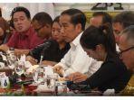 presiden-jokowi-dalam-perbincangan-dengan-wartawan-istana.jpg