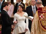 princess-eugenie-resmi-menikah-dengan-jack-brooksbank-jumat-12102018_20181012_193421.jpg
