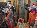 risma-kunjungi-keluarga-korban-kri-nanggala-402.jpg