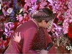 rizky-billar-menangis-di-pelukan-lesti-kejora-saat-tasyakuran-pernikahan.jpg