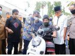 rl-naik-motor-bersama-dengan-gubernur-sulawesi-selatan.jpg