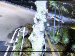 sebuah-video-rekaman-kamera-cctv-gbk-jakarta.jpg