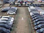 suasana-balai-lelang-mobil-bekas-bidwin-tercatat-pertumbuhan-penjualan-mobil-bekas.jpg