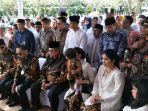 susilo-bambang-yudhoyono-sekeluarga-ziarah.jpg
