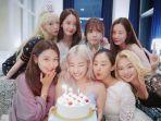 ulang-tahun-tiffany-young-dirayakan-bersama-member-girls-generation-atau-snsd-1-agustus.jpg