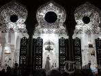 umat-muslim-berdoa-usai-melaksanakan-salat-nisfu-syaban.jpg